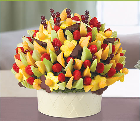 Delicious Party with Dipped Daisies | Edible Arrangements®