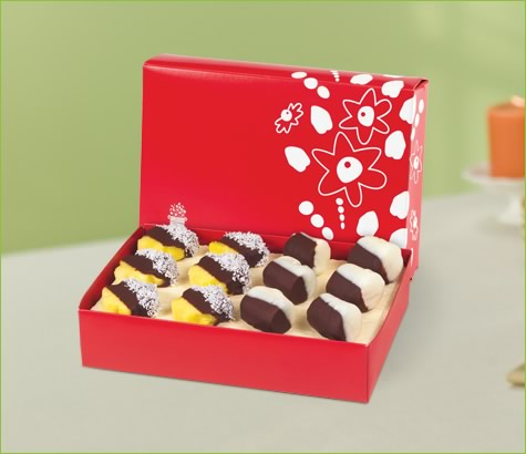 Dipped Daisies with Coconut and Dipped Banana Box | Edible Arrangements®