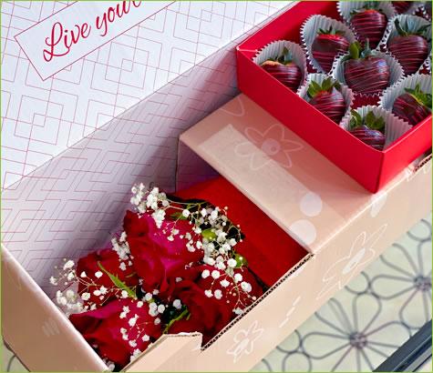 Sweetheart Swizzle Berries & Flowers Box | Edible Arrangements®